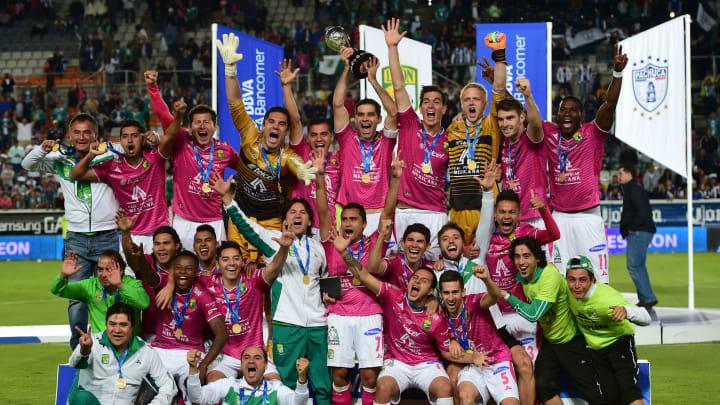 Así era la alineación del León cuando fue bicampeón del fútbol mexicano