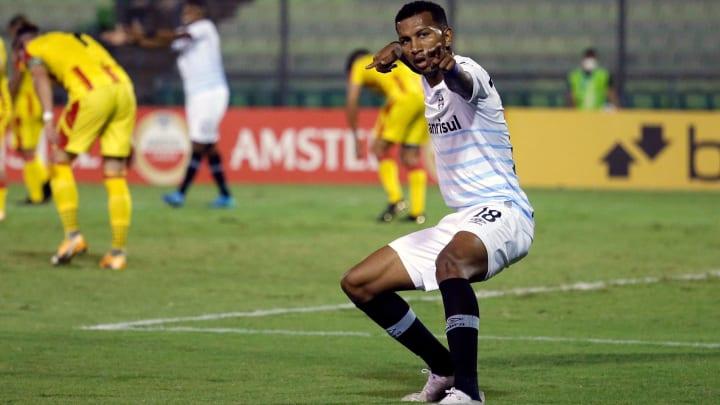 Atacante mostrou pouco futebol com a camisa do Grêmio