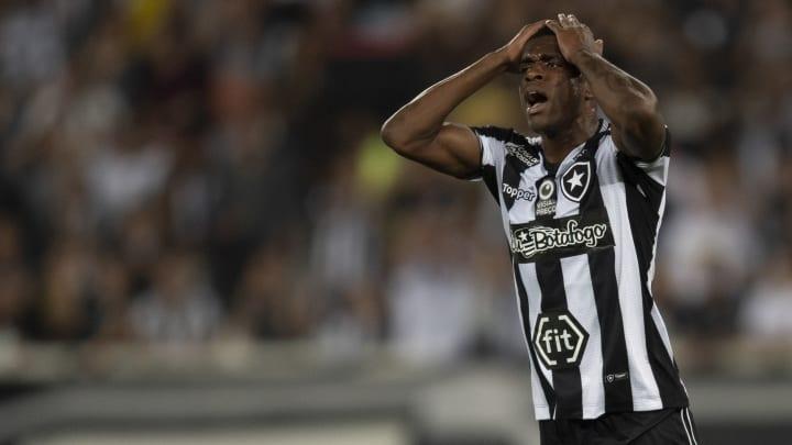 Marcelo Benevenuto, Matheus Babi e outros atletas são punidos pelo Botafogo e não vão enfrentar o Palmeiras.