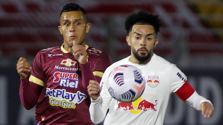 Claudinho participou do lance do primeiro gol paulista