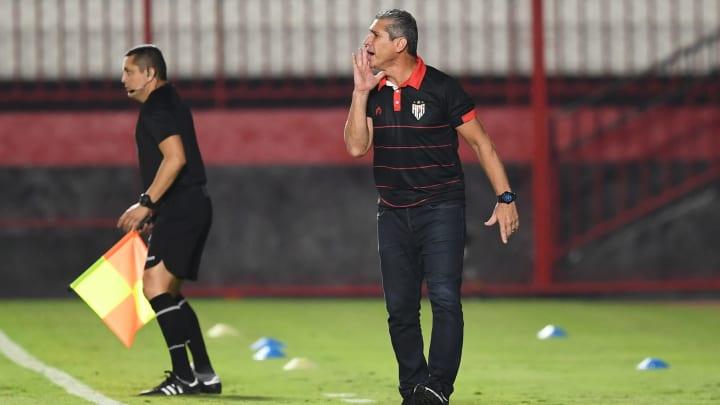 Última passagem do treinador havia sido no Atlético-GO