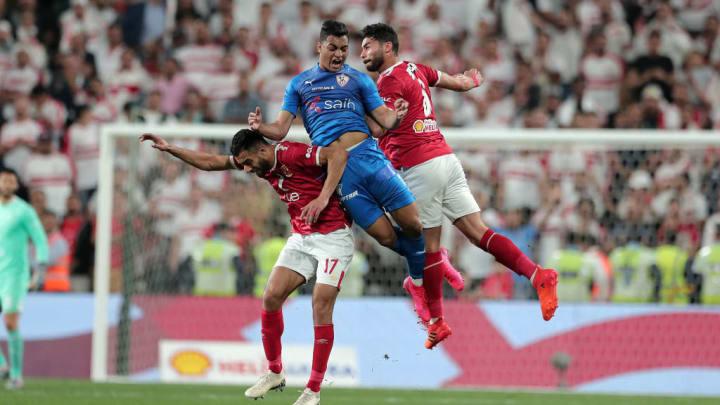 Mostafa Mohamed (au centre) se rapproche de Saint-Etienne.