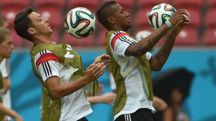 Mesut Özil ile Jerome Boateng'in idmanı
