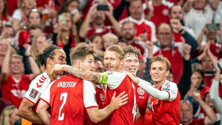 Les Danois célèbrent un but lors de la victoire face à Israël (5-0)
