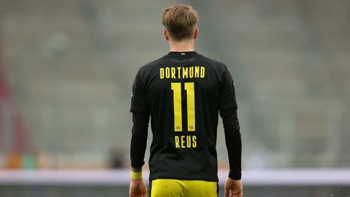 O contrato de Reus com o Borussia Dortmund vai até 2023.