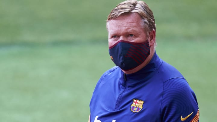 Mesmo com título da Copa do Rei, Koeman balança no cargo de treinador do Barcelona.
