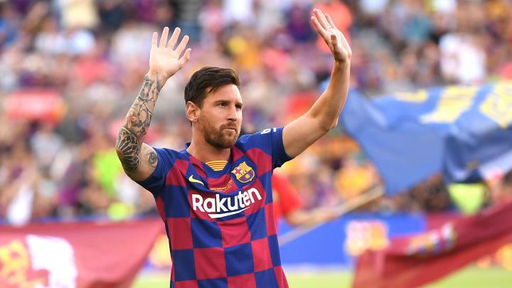 Lionel Messi vai renovar com o Barcelona até meados de 2023, diz jornalista.