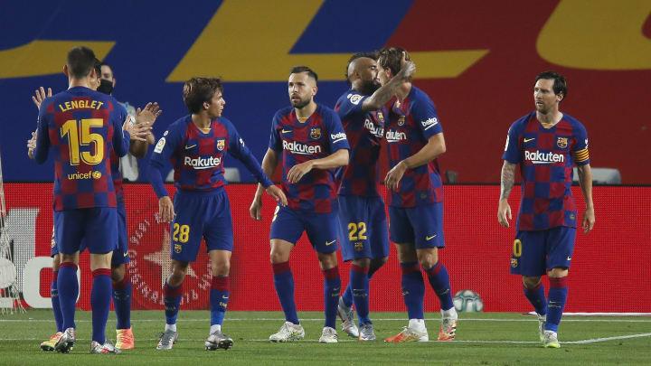Ivan Rakitic, Arturo Vidal, Lionel Messi, Jordi Alba, Riqui Puig
