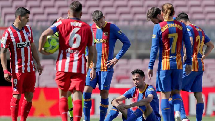 El Atleti deja escapar media Liga en el Camp Nou