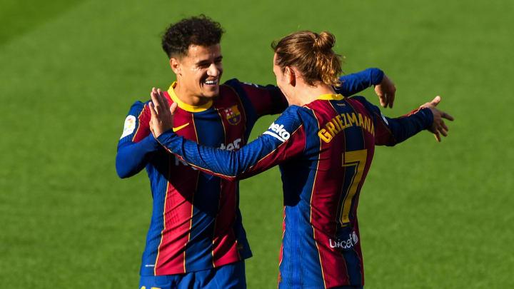 Barcelona precisa vender jogadores para equilibrar caixa