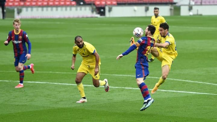 Lionel Messi, Isaac Carcelen