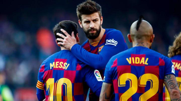 Arturo Vidal, Gerard Pique, Lionel Messi