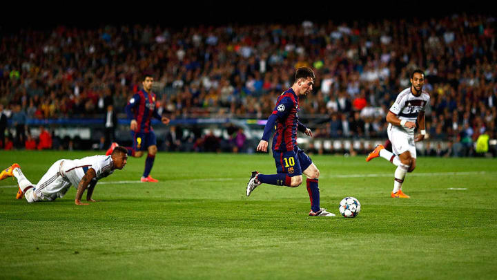 Lionel Messi leaves Jerome Boateng on the floor