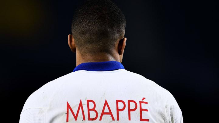 Viel wird über seine weitere sportliche Zukunft spekuliert: Kylian Mbappé