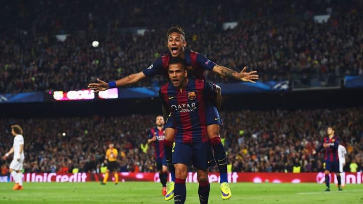 Neymar firmó un doblete ante su actual equipo en 2015
