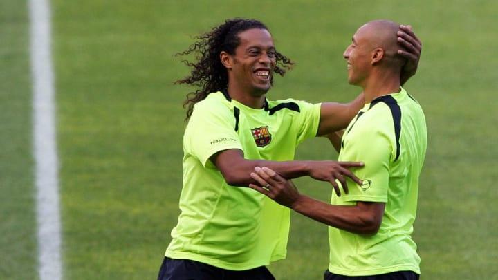 Ronaldinho y Larsson juntos en el FC Barcelona