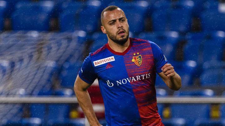 Bericht: Bayer Leverkusen gibt Angebot für Torjäger Arthur Cabral ab