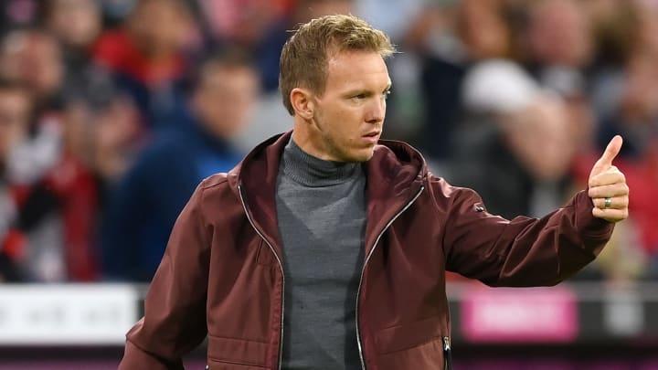 Daumen hoch - vor dem Kracher gegen RB Leipzig unter anderem für Thomas Müller
