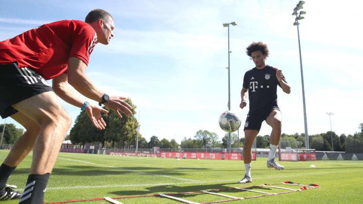 Statt im Urlaub schwitzt Leroy Sané im Bayern-Training
