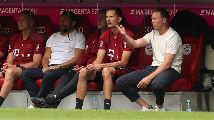 Beim Test gegen Ajax musste Julian Nagelsmann auch unschöne Gesänge aushalten
