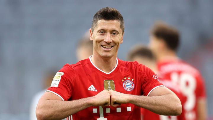 Robert Lewandowski steht bei 39 Treffern. Damit ist er drauf und dran Gerd Müller zu überflügeln.
