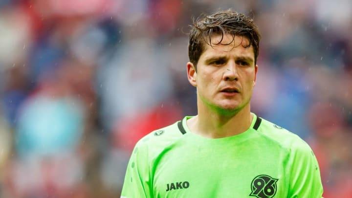 Als Spieler beendete Schwegler seine Karriere in Deutschland bei Hannover