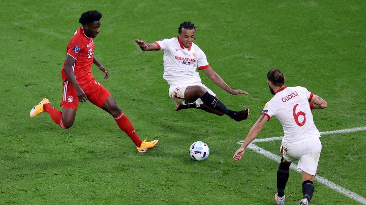 Alphonso Davies y Jules Koundé forman parte de la defensa