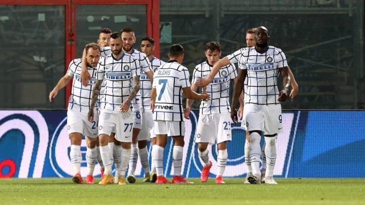 La gioia nerazzurra dopo il gol di Eriksen a Crotone