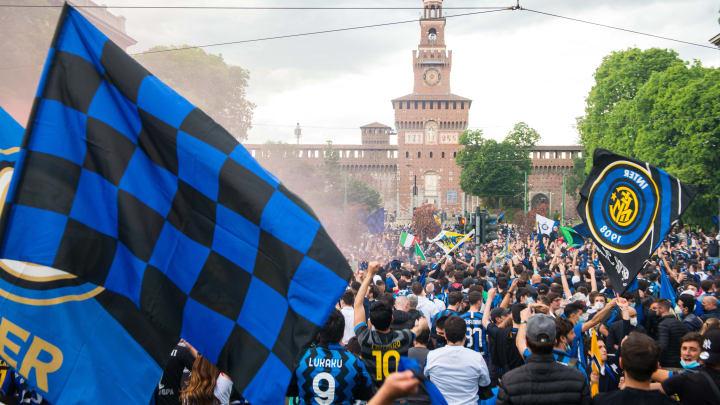 Inter fans celebrating their league title