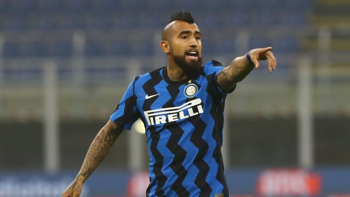arturo vidal hopes to celebrate victory over real madrid with inter milan and fc barcelona fans inter milan and fc barcelona fans