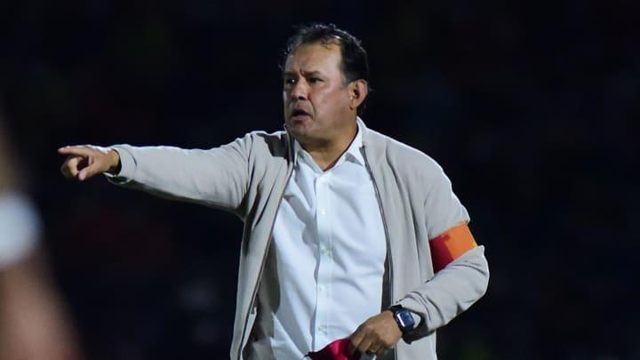 Juan Reynoso debe mantener el buen fútbol de la Máquina
