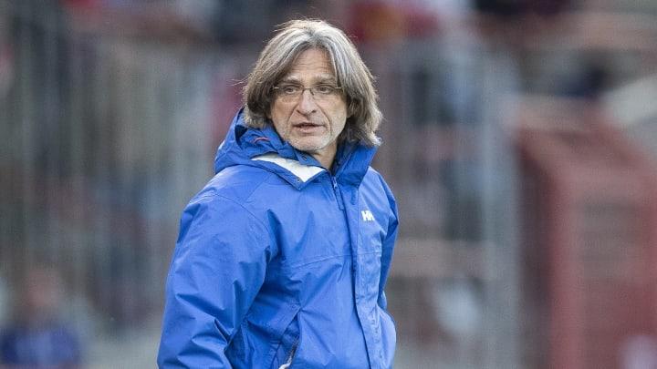 Schalkes U19-Trainer-Ikone Norbert Elgert ist sich der Voraussetzungen für die zweite Liga sicher