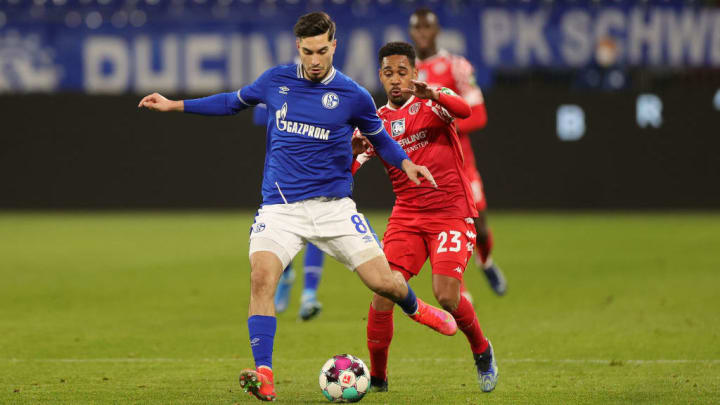 Suat Serdar stand gegen Mainz als Zielspieler im Fokus