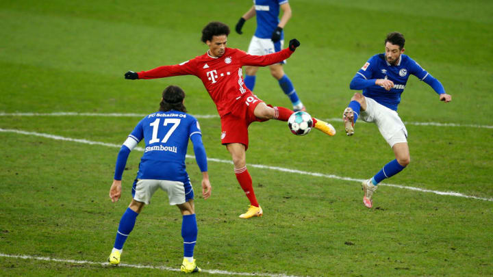 Gegen Schalke blieb Leroy Sané (mitte) glücklos