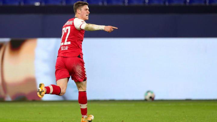 Sallai erledigte Schalke im Alleingang
