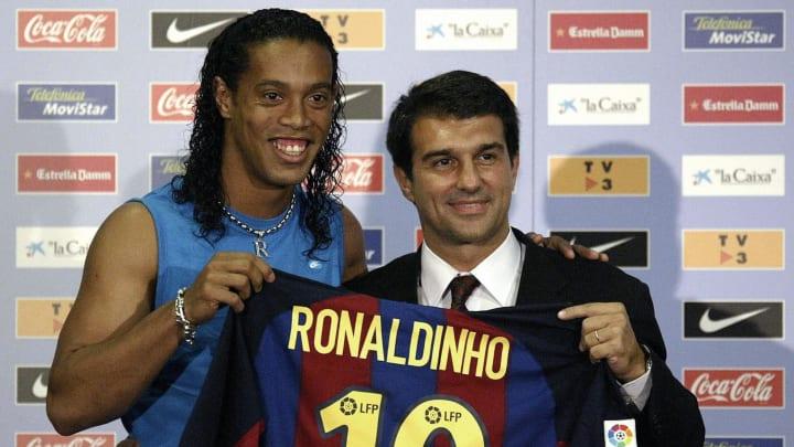 Ronaldinho fue un símbolo del primer Barcelona de Laporta