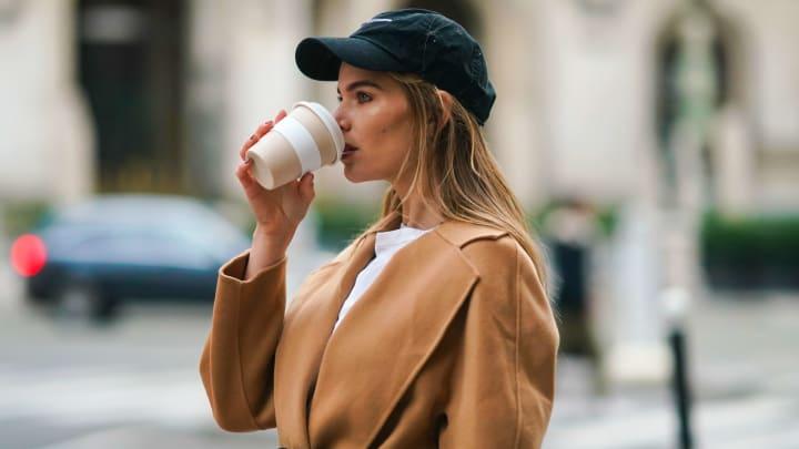 Tomar café es una buena manera de permanecer despierto toda la noche