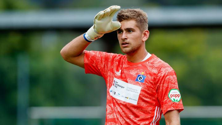 Julian Pollersbeck könnte noch in diesem Sommer nach Lyon wechseln
