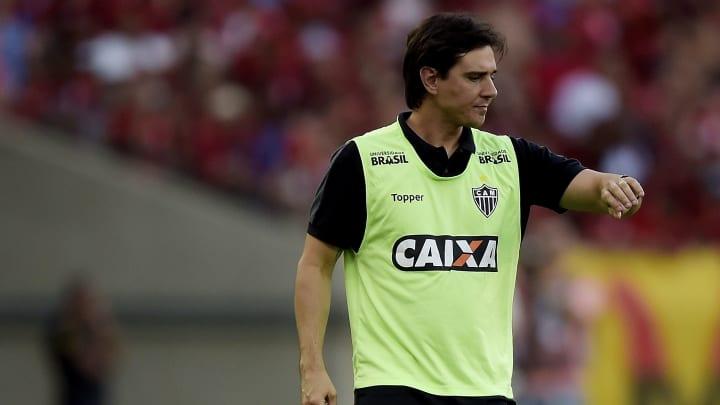 Thiago Larghi, Pintado, Hemerson Maria e mais: confira cinco possíveis nomes para assumir o Goiás, após demissão de Augusto César.