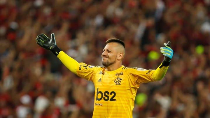 Diego Alves pode voltar para o Velho Continente.