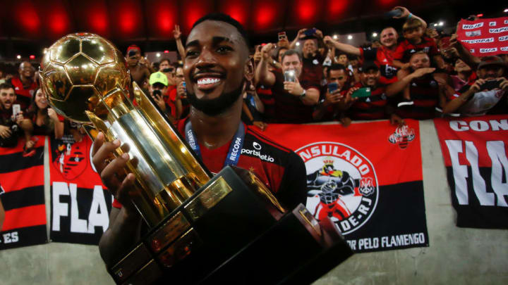 Gerson celebrating with the Flamengo fans