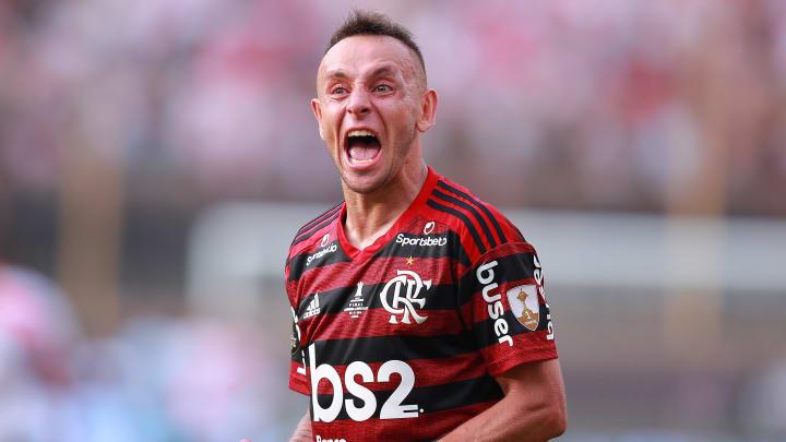 Rafinha volta ou não volta para o Flamengo?