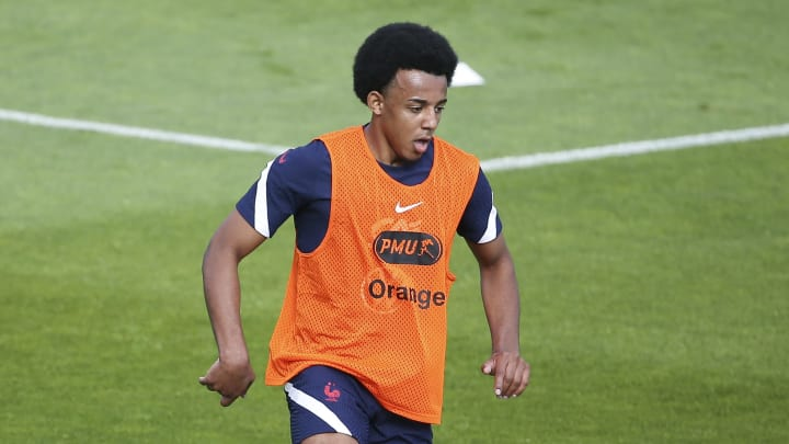 Jules Kounde takes part in a France training session