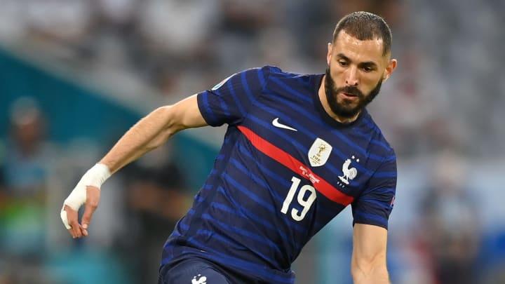 Benzema volvió a jugar un partido oficial con Francia