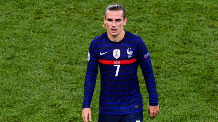 Antoine Griezmann ne sera pas non plus échangé avec Paulo Dybala.