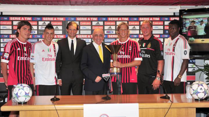(From L) AC Milan's forward Alberto Palo