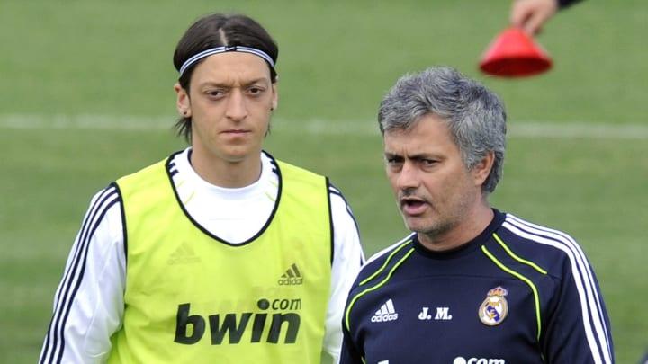 (FromL) Real Madrid's German midfielder