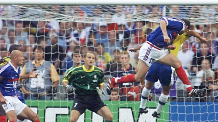 GOAL - French Zinedine Zidane scores the