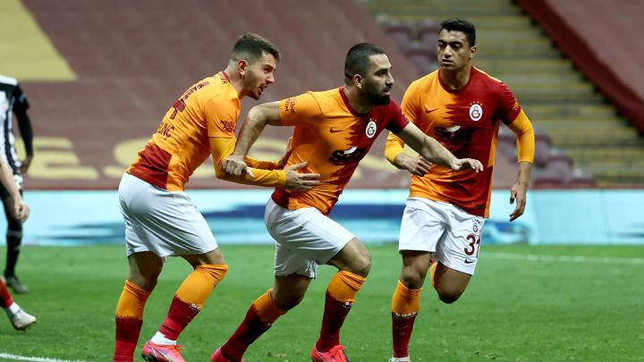Gol de Arda Turan con Galatasaray