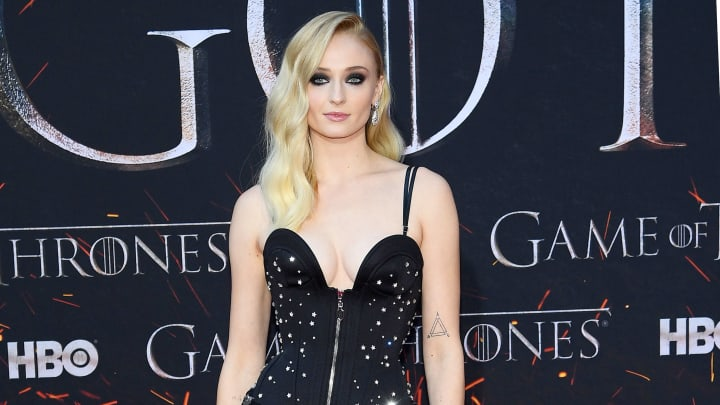 "Sophie Turner replies to 'Game of Thrones' fan about ""awesome"" idea regarding Sansa and Daenerys"